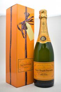 ★ Veuve Clicquot Ponsardin ヴーヴクリコ ポンサルダン イエローラベル 750ml シャンパンをお買取り★